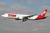 TAM Brasil (TAM Linhas Aereas) Boeing 767-33A ER PT-MSQ (msn 27468) GIG (Bernardo Andrade). Image: 910286.