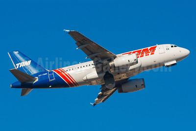 TAM Brasil (TAM Linhas Aereas) Airbus A319-132 PT-TMD (msn 4192) (Retrojet 2) CGH (Rodrigo Cozzato). Image: 922684.