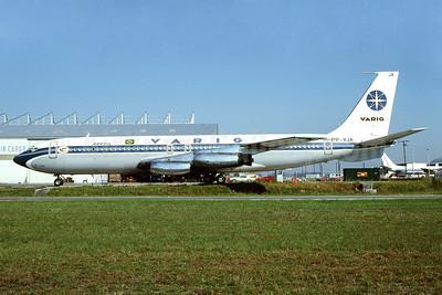 VARIG (1st) Boeing 707-441 PP-VJA (msn 17905) MIA (Bruce Drum). Image: 102963.