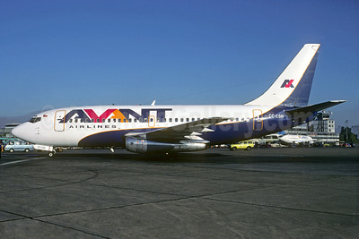 Avant Airlines Boeing 737-204 CC-CSH (msn 20632) SCL (Christian Volpati). Image: 931644.