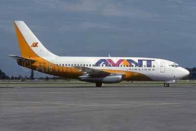 Avant Airlines Boeing 737-248 CC-CSL (msn 20223) SCL (Christian Volpati). Image: 931645.
