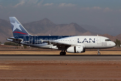 LAN Airlines (Chile) Airbus A319-132 CC-BCB (msn 4598) (Machu Picchu-100 Anos) SCL (Alvaro Romero). Image: 907624.