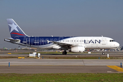 LAN Airlines (Chile) Airbus A320-233 CC-BAA (msn 4348) SCL (Alvaro Romero). Image: 938146.