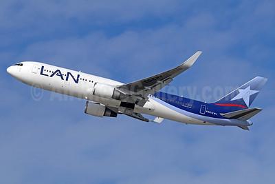 LAN Airlines (Chile) Boeing 767-316 ER WL CC-CWY (msn 35231) LAX (Michael B. Ing). Image: 937544.