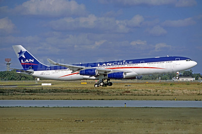 LAN Chile Airbus A340-313 F-WWJQ (CC-CQE) (msn 429) TLS (Jacques Guillem Collection). Image: 938155.