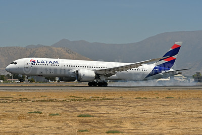 LATAM Airlines (Chile) Boeing 787-9 Dreamliner CC-BGD (msn 35322) SCL (Ken Petersen). Image: 937750.