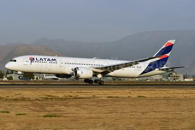LATAM Airlines (Chile) Boeing 787-9 Dreamliner CC-BGC (msn 35321) SCL (Ken Petersen). Image: 937549.