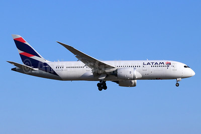 LATAM Airlines (Chile) Boeing 787-8 Dreamliner CC-BBJ (msn 42225) LAX (Michael B. Ing). Image: 946765.