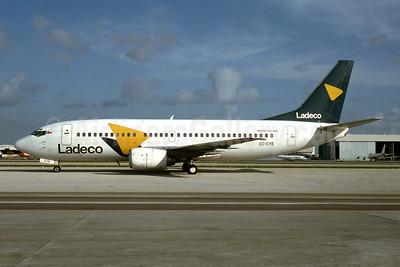 Ladeco Airlines (Linea Aereas Del Cobre) Boeing 737-3S3 CC-CYE (msn 23787) MIA (Bruce Drum). Image: 927403.