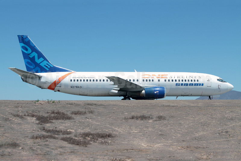 One Airlines (Chile)-Sinami-Xtra Airways Boeing 737-4Q8 N279AD (msn 26279) SCL (Alvaro Romero). Image: 920980.