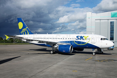 Sky Airline (Chile) Airbus A319-111 CC-AJF (msn 2249) DUB (Greenwing). Image: 912912.