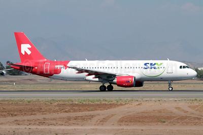 Sky Airline (Chile) (Air Malta) Airbus A320-214 9H-AEF (msn 2142) (OLT Express Poland colors) SCL (Álvaro Romero/ModoCharlie.com). Image: 910639.