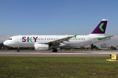 Sky Airline (Chile) Airbus A320-232 CC-ABV (msn 1400) SCL (Alvaro Romero). Image: 937654.