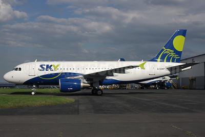 Sky Airline (Chile) Airbus A319-111 G-EZEP (CC-AFZ) (msn 2251) SEN (Antony J. Best). Image: 908921.