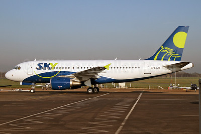 Sky Airline (Chile) Airbus A319-111 G-EJJB (msn 2380) SEN (Keith Burton). Image: 910820.