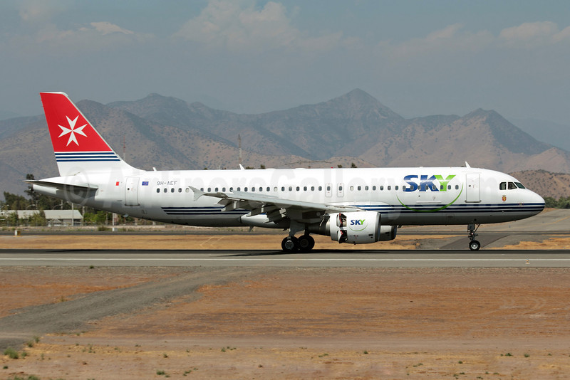 Sky Airline (Chile) (Air Malta) Airbus A320-214 9H-AEF (msn 2142) (Air Malta colors) SCL (Álvaro Romero/ModoCharlie.com). Image: 908319.