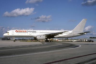 Avianca Colombia Boeing 757-236 N951PG (msn 22185) MIA (Bruce Drum). Image: 105252.
