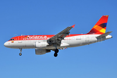 Avianca (Colombia) Airbus A319-115 N422AV (msn 4200) MIA (Bruce Drum). Image: 103385.