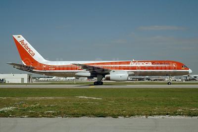 Avianca Colombia Boeing 757-2Y0 EI-CEY (msn 26152) MIA (Bruce Drum). Image: 104106.