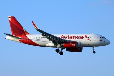 Avianca (Colombia) Airbus A319-132 WL N695AV (msn 6099) MIA (Jay Selman). Image: 403547.