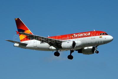 Avianca (Colombia) Airbus A318-111 N592EL (msn 2358) MIA (Jay Selman). Image: 403642.