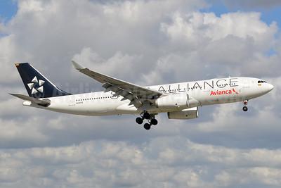 Avianca (Colombia) Airbus A330-243 N280AV (msn 1342) (Star Alliance) MIA (Bruce Drum). Image: 104290.