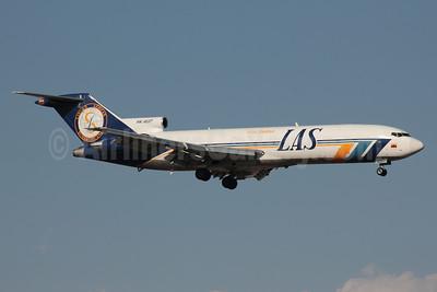LAS - Lineas Aereas Suramericanas Boeing 727-2S2F Super 27 HK-4637 (msn 22928) SCL (Alvaro Romero). Image: 940329.