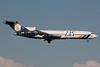 LAS - Lineas Aereas Suramericanas Boeing 727-2S2F Super 27 HK-4637 (msn 22928) SCL (Alvaro Romero). Image: 940328.