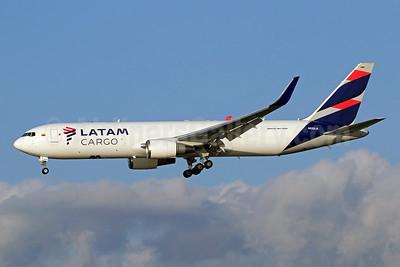 LATAM Cargo (Colombia) Boeing 767-316F ER WL N532LA (msn 30780) MIA (Brian McDonough). Image: 948957.