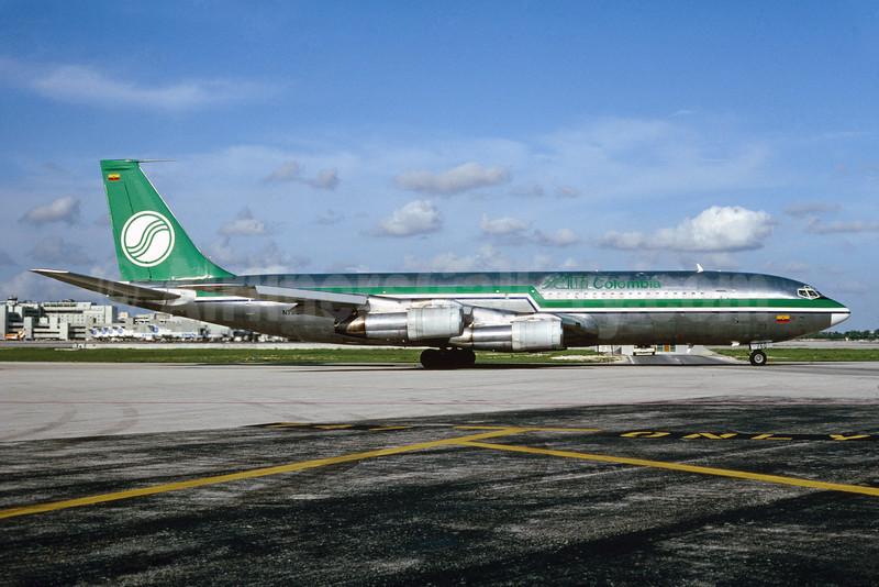 SAM Colombia Boeing 707-373C N760FW (msn 19442) MIA (Bruce Drum). Image: 102712.