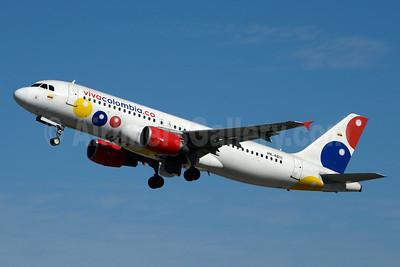 VivaColombia (VivaColombia.com) Airbus A320-214 HK-4811 (msn 1564) MIA (Jay Selman). Image: 936526.