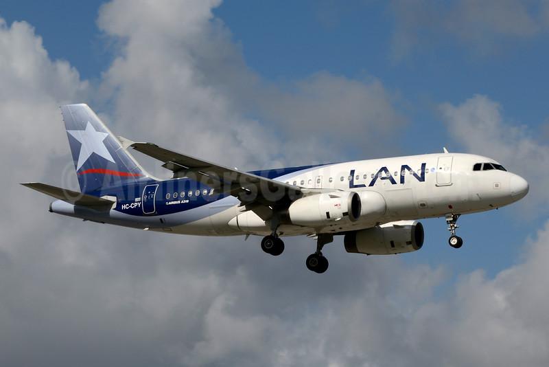 LAN Ecuador Airbus A319-132 HC-CPY (msn 4605) MIA (Jay Selman). Image: 403364.