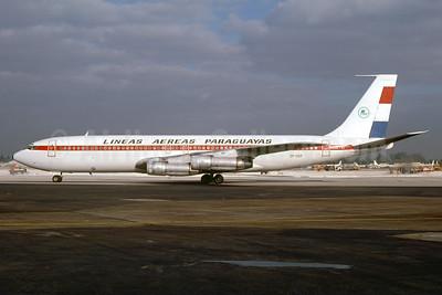 Lineas Aereas Paraguayas-LAP Boeing 707-321B ZP-CCF (msn 18957) MIA (Bruce Drum). Image: 104392.