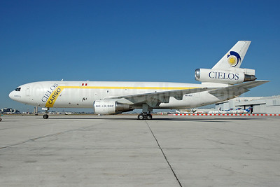 Cielos Airlines (Cielos del Peru) McDonnell Douglas DC-10-30 (F) N614GC (msn 46931) MIA (Bruce Drum). Image: 100545.