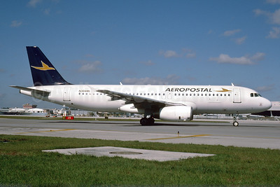 Aeropostal (Venezuela) (Transmeridian Airlines) Airbus A320-231 N304ML (msn 373) MIA (Bruce Drum). Image: 103551.
