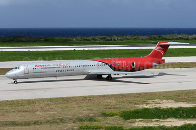 Aserca Airlines McDonnell Douglas DC-9-82 (MD-82) YV153T (msn 49486) CUR (Ton Jochems). Image: 940969.