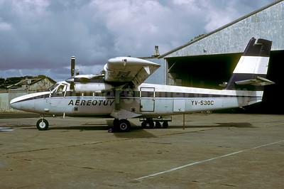 Aereotuy de Havilland Canada DHC-6-300 YV-530C (msn 615) (Aeropostal colors) CBL (Rolf Wallner). Image: 947465.