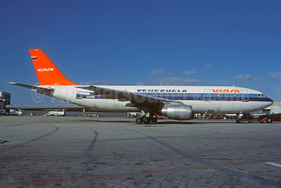 VIASA Venezuela Airbus A300B4-103 N407UA (msn 124) (Eastern colors) MIA (Christian Volpati Collection). Image: 934394.
