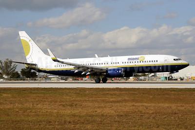 Miami Air International Boeing 737-81Q WL N732MA (msn 30618) MIA (Bruce Drum). Image: 103751.