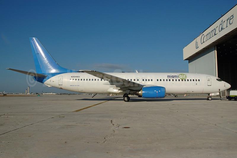 Miami Air International (Excel Airways) Boeing 737-81Q N904MA (msn 29051) (Excel colors) MIA (Bruce Drum). Image: 101709.