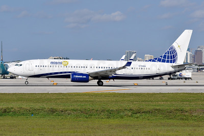 Miami Air International Boeing 737-8K5 SSWL N758MA (msn 37247) FLL (Tony Storck). Image: 948870.