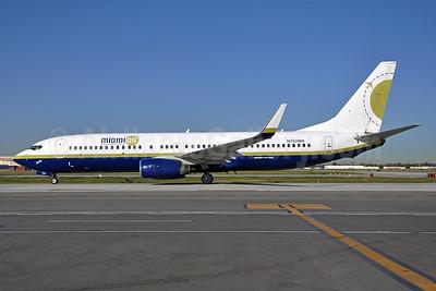 Miami Air International Boeing 737-81Q WL N732MA (msn 30618) LGB (Stephen Tornblom). Image: 925886.