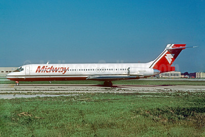 Midway Airlines (1st) McDonnell Douglas DC-9-87 (MD-87) N802ML (msn 49725) MDW (Ronald A. Kluk). Image: 909278.