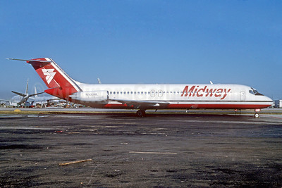 Midway Airlines (1st) McDonnell Douglas DC-9-31 N930ML (msn 47527) MIA (Bruce Drum). Image: 102521.