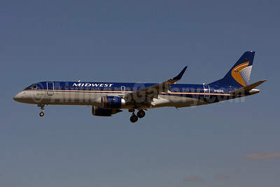 Midwest Airlines-Republic Airlines (2nd) Embraer ERJ 190-100 IGW N162HL (msn 19000231) LIS (Pedro Baptista). Image: 903263.