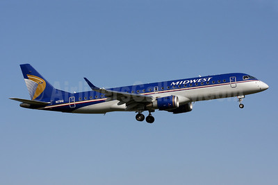 Midwest Airlines-Republic Airlines (2nd) Embraer ERJ 190-100 IGW N171HQ (msn 19000197) DCA (Brian McDonough). Image: 906166.