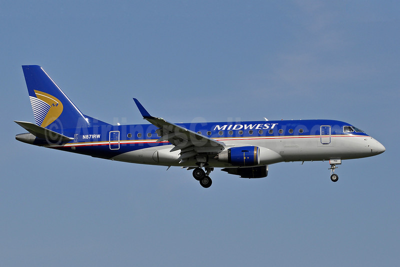 Midwest Airlines-Republic Airlines (2nd) Embraer ERJ 170-100SE N871RW (msn 17000140) DCA (Tony Storck). Image: 906007.