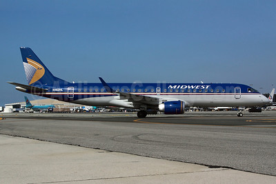 Midwest Airlines-Republic Airlines (2nd) Embraer ERJ 190-100 IGW N162HL (msn 19000231) LAX. Image: 904951.