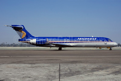 Midwest Airlines (USA) Boeing 717-2BL N907ME (msn 55171) LAX (Bruce Drum). Image: 104817.