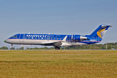 Midwest Connect-SkyWest Airlines Bombardier CRJ200 (CL-600-2B19) N498CA (msn 7792) CLE (Angelo Ballachino). Image: 902983.